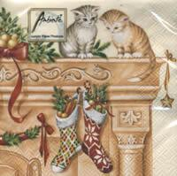 4339 - Cats on the fireplace - Coffee size