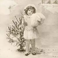 5529 - Girl with Christmas Tree